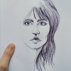 Tracciare contorni #sketching #sketch #womanportrait #penart #pen #draw #drawing #art #artofvisuals #artist #artofinstagram #artoftheday #illustrationoftheday #illustration #illustrationart