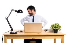 Spending 8 hours or more in the office can be tiring not only for the mind but also for the body. Sitting for a long time in front of a computer, perhaps in incorrect positions, can in fact bring a series of cramps or pain to legs, arms, neck and back.