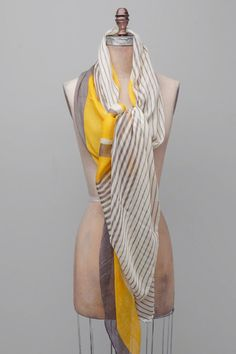 cute scarf and way of tying it
