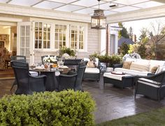 Inviting outdoor space - Larry Hooke Interior Design