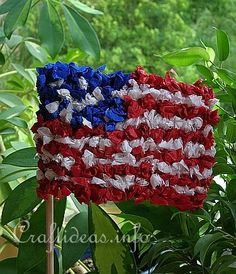 Paper Crafts - Summer Crafts - Patriotic Crafts - American Flag Plant Poke