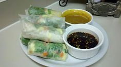 How to make Pei Wei's Vietnamese chicken salad spring rolls! I'm gonna have to try this!