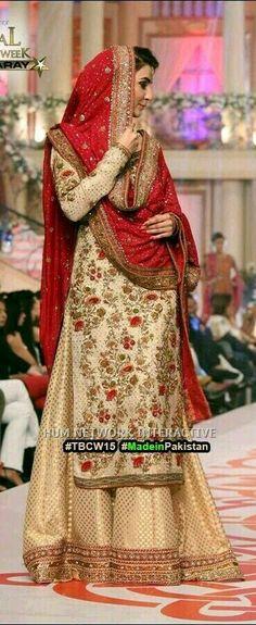 Pakistani bridal dress in Alistani bridal couture week Pakistani Couture, Pakistani Wedding Dresses, Pakistani Outfits, Indian Dresses, Ethnic Fashion, Indian Fashion, Moda Indiana, Desi Clothes, Sari