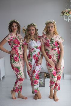 These bridesmaids jumpsuits are crafted using rayon fabrics having beautiful collared style jumpsuit. The bridesmaids are in blush and the bride in white. Look decent and comfortable on your special day with these bridesmaids jumpsuits. Cotton Jumpsuit, Cotton Pyjamas, Bridesmaid Rompers, Floral Bridesmaids, Lingerie Outfits, Women Lingerie, Cigar Girl, Barefoot Girls, Collar Styles