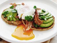 Healthy Pancakes met Bacon, Avocado & Gepocheerd Ei | www.88food.nl