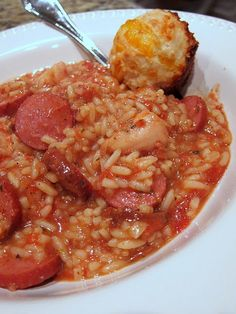 Great Slow Cooker Jambalaya - Looks good! Has chicken, sausage, rice, broth and seasonings.