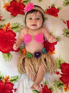 6 Month Baby Picture Ideas, Baby Girl Pictures, Newborn Pictures, Cute Baby Photos, Hawaiian Baby, Monthly Baby Photos, Foto Baby, Newborn Baby Photography, Photography Poses