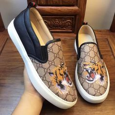 Fashion high quality men canvas shoes leather luxury brand men loafers  Gentleman Luxury Fashion  Slip on Flats Driving Shoes