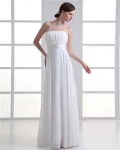 winter wedding dresses: http://www.facefinal.com/2013/06/beautiful-wedding-dresses-for-your_6.html