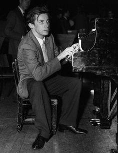 Glenn Gould http://www.lastfm.jp/music/Glenn+Gould/+images/69155882