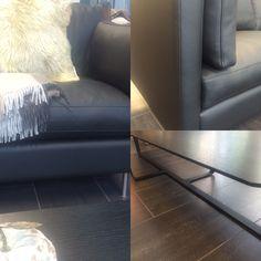 Hud -lekker kvalitet — Ny sofa i butikken. Her lukter det hud og særegenhet! Finnes i flere størrelser, hjørne eller sjeselong.  Vi har valgt den i sort hud. Nå er den    lett stylet med ett Kashmir pledd, og pels pute. Hva med ett godt brukt persiskt teppe, eller ett stramt sort/hvitt teppe. Her er det bare å finne det som passer akkurat til deg.