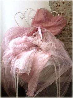 chasingrainbowsforever:  Colors ~ Pastel Pink