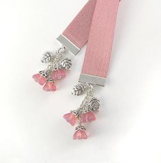 Hey, I found this really awesome Etsy listing at https://www.etsy.com/pt/listing/181480691/ribbon-bookmark-light-coral-coloured