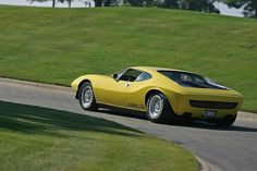 http://www.montesquieuvolvestre.com/2015/07/voitures-de-legende-536-american-motors-amx-3-1970.html