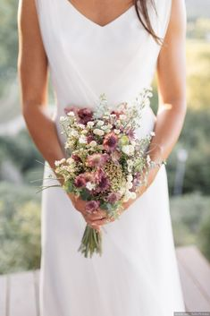More than 100 wild bridal bouquets: fall in love! 85 wild bridal bouquets: fall in love again! STEP-BY-STEP INSTRUCTIONS and PHOTOS to Knit a Bunny from a Square STEP . wedding ambientation More than 100 wild bridal bouquets: fall in love! Vintage Bridal Bouquet, Bridal Bouquet Fall, Bridal Flowers, Flower Bouquet Wedding, Floral Wedding, Bridal Bouquets, Brooch Bouquets, Bling Wedding, Country Style Wedding
