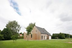 Striking Home Extension Creatively Enhancing a Pavilion-Type Residence in Belgium - http://freshome.com/2014/09/22/striking-home-extension-creatively-enhancing-a-pavilion-type-residence-in-belgium/