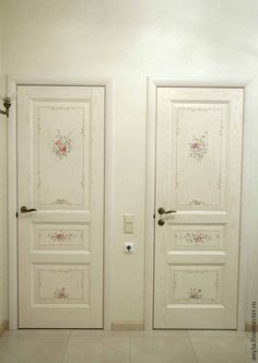 Vintage Shabby Chic, Shabby Chic Style, Shabby Chic Decor, Painted Interior Doors, Painted Doors, Antique Doors, Old Doors, Shabby Chic Interiors, Shabby Chic Furniture
