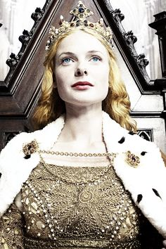 The White Queen Alice Alice Princess, They're dying to stop you. The sun will be guiding you. Break out from society.