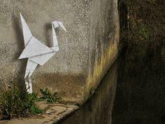 """Le Tumblr """"Made By ABVH"""" compile les oeuvres de Banksy en leur donnant une nouvelle vie grâce à leurs animations au format Gif."""