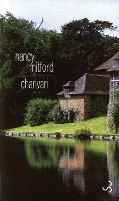 #littérature : Charivari de Nancy Mitford. Paru en 1935, ce roman n'a pas été réimprimé pendant près de soixante-dix ans. Ceci à la demande de Nancy Mitford elle-même, qui souhaitait mettre un terme à la brouille que sa publication avait provoquée avec ses soeurs. Unity et Diana lui reprochaient en effet la caricature à peine masquée qu'elle faisait du mari de Diana sous les traits du charismatique et très nationaliste...   http://www.amazon.fr/dp/2267021382/ref=cm_sw_r_pi_dp_tbT-vb147S7Z7