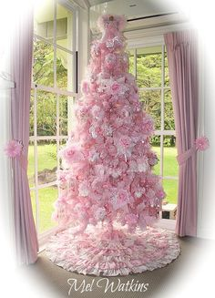 lots of yummy photos of pink-and-white christmas decor, from a