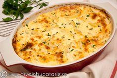 Reteta culinara Cartofi gratinati cu verdeturi din categoria Aperitive / Garnituri. Cum sa faci Cartofi gratinati cu verdeturi