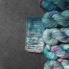 Turquoise and white set / Gradient yarn set / g / Hand dyed yarn / painted dyed sweater Crochet Yarn, Knitting Yarn, Yarn Painting, Yarn Inspiration, Wrap Pattern, Crochet For Beginners, Knitted Shawls, How To Dye Fabric, Hand Dyed Yarn