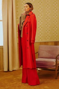 See the complete Khaite Resort 2018 collection.