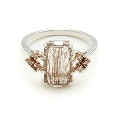 Bea Arrow Ring