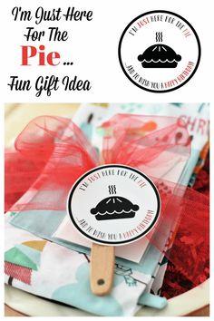 Fun Birthday Gift Idea. This fun pie themed birthday gift is such a fun and simple gift and is perfect for any pie lovin friend. #Birthday #Birthdaygiftidea #easyaspie #Funbirthdaygifts