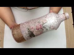 Garrafa Luxuosa com craquelê e decoupage - YouTube Glass Bottle Crafts, Diy Bottle, Bottle Art, Decoupage Vintage, Painted Jars, Bottle Lights, Recycled Bottles, Bottle Painting, Bottles And Jars