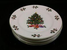 Four (4) Gibson CHRISTMAS CHARM White Dinner Plates Gold Trim ...