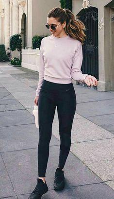 ____ Zurita Brown Smith (Ariana grande) es una chica de 19 a