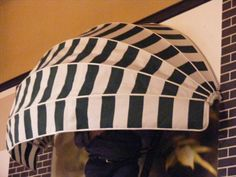 Copertinele Retractabile Marchize Cupola/Semirotunda pot fi actionate usor cu modul clasic cu cordon, eliberind in totalitate spatiul protejat. Modul, Beanie, Hats, Fashion, Moda, Hat, Fashion Styles, Beanies, Fashion Illustrations