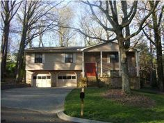Affordable 4 Bedroom Home on Signal Mountain SKYLINE  SIGNAL MOUNTAIN TN 37377 #SignalMountainHomesforSale  View All Photos: http://www.mysinglepropertywebsites.com/25146