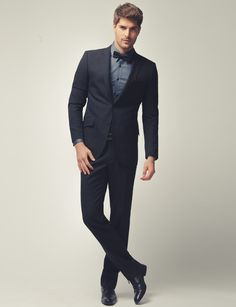 Beautiful suit, with the detail of the bow tie