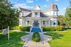 c.1911 Victorian located at: 302 E Main St Broussard, LA 70518