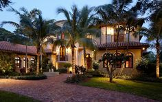 Mediterranean luxury hoome in North Palm Beach, Florida