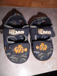 d54aa7ee0a DIsney Pixar Original Finding Nemo Light Up Velcro Sandals 5 Toddler SOLD  OUT…