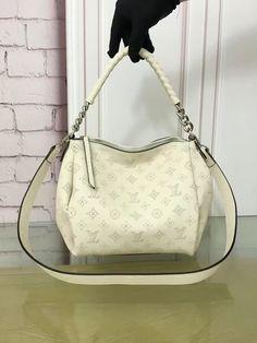 1e35e3f5f777 214 Best Men s Louis Vuitton Bags images