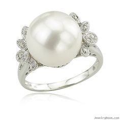 White Gold Diamond & Freshwater Pearl Ring in White Gold Rings