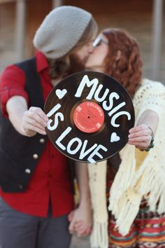 MusicisLove__two_chics_photography_twochicsphotographyMusicLove008_low