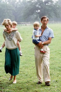 Princess Diana with Prince Charles, little Prince William and Harry in 1986