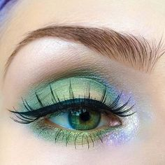 'Marsh' with 'Fly' from #VENUS2 ✨ Click to shop #LimeCrime fan creations using our stuff. AKA: Major makeup inspiration!