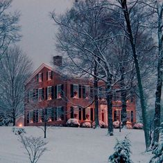 My Old Kentucky Home, Bardstown, Kentucky ...all decked out for Christmas ♥♥♥ I love this hill, this home and this heavenly state I call home! ♥♥♥ Thank God she sits not far from where I live!