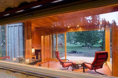 2004 Location Enumclaw, WA Architect HyBrid Architecture Construction HyBrid Assembly SF 320 SF Client Cargotecture Fabricated in 2004 and delivered to Enumclaw, Washington, the Studio 320 is the project that...
