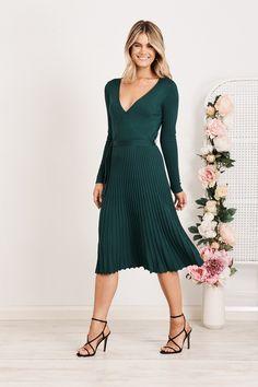 Bossa Knit Dress in Green Green - St Frock Knit Skirt, Knit Dress, Wrap Dress, Tall Women, Knitted Fabric, Frocks, Knitting, Chic, Green