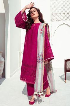 Pakistani Fashion Casual, Pakistani Suits, Pakistani Dresses, Indian Fashion, Salwar Suits, Salwar Kameez, Cotton Dresses Online, Semi Formal Dresses, 3 Piece Suits