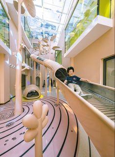 Children's Discovery Center of COB Wangjing Mansion by L&A Design - Children's Discovery Center of COB Wangjing Mansion by L&A Design – mooool The Effective Pictur - Playground Design, Indoor Playground, Kids Cafe, Kindergarten Design, Design Department, Kid Spaces, Play Houses, Dream Houses, School Design