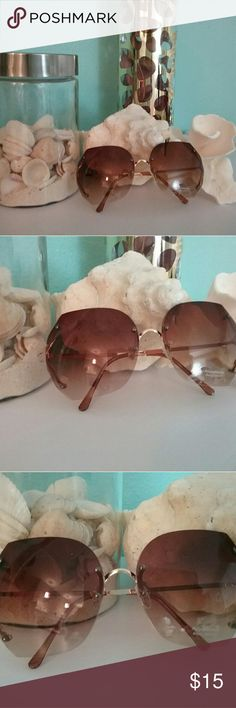 100% UV Sunglasses BRAND NEW  Never been worn  Comes in plastic packaging Accessories Sunglasses